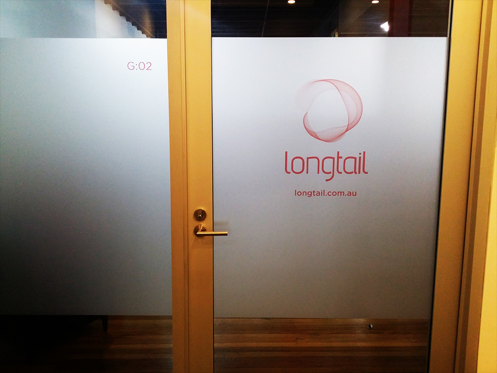 window-frosting-print-longtail-logo