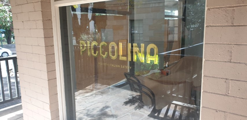 mirror-gold-window-decal-sign-sydney-piccolina